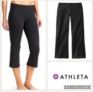 Athleta size small stretchy cropped pants #964032